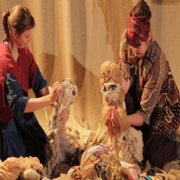 Fibres, racines, laine et marionnettes dès 3 mois