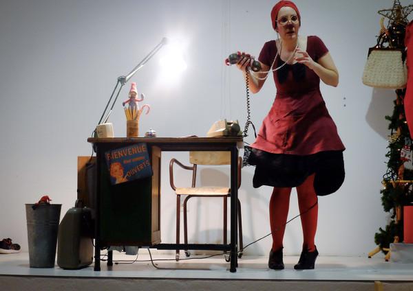 Les pieds dans les étoiles - solo clownesque / Estelle Brochard