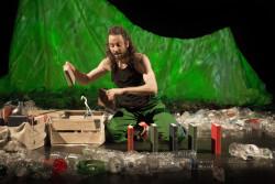 """""""TEEEERRRE!??"""" Spectacle qui a pour thème la pollution plastique des océans"""