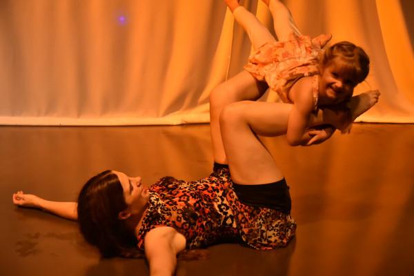 spectacle de danse contemporaine L'enfant